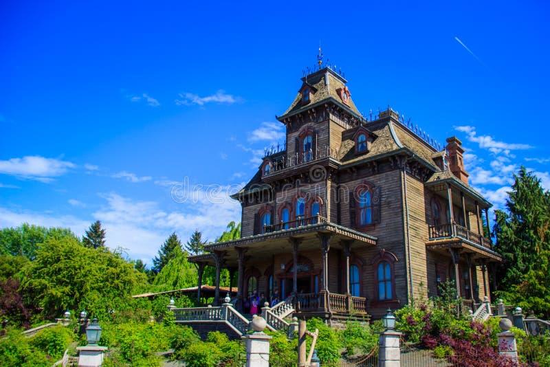 Phantom Manor i Disneyland Paris arkivfoto