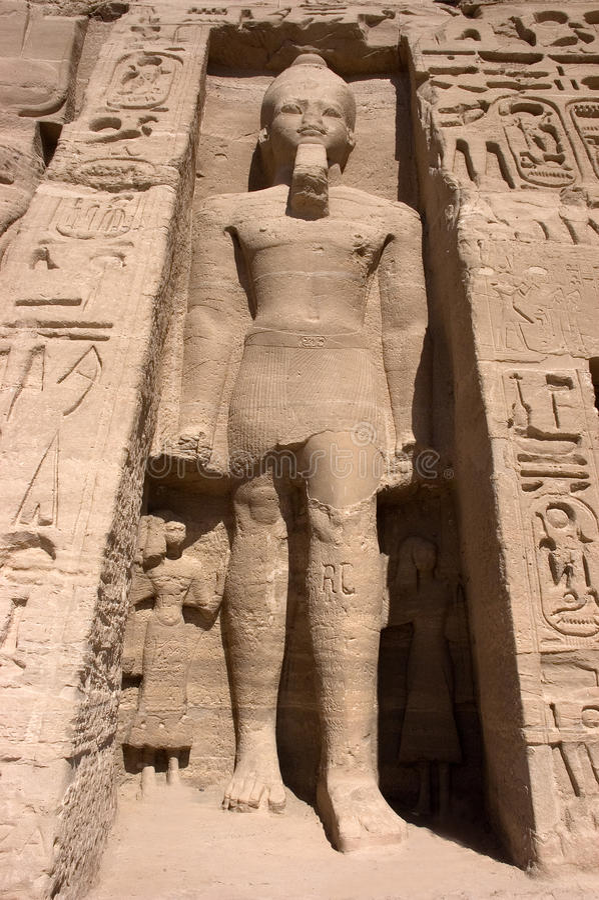 Pharao bei Abu Simbel lizenzfreies stockfoto