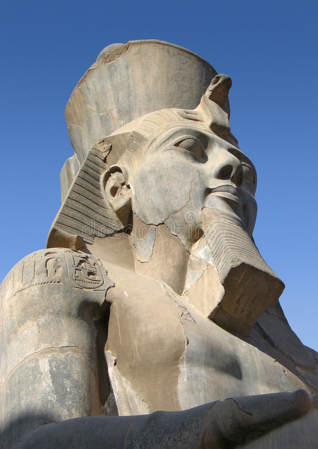 Pharao Ramses II - alter König von Ägypten stockfotos