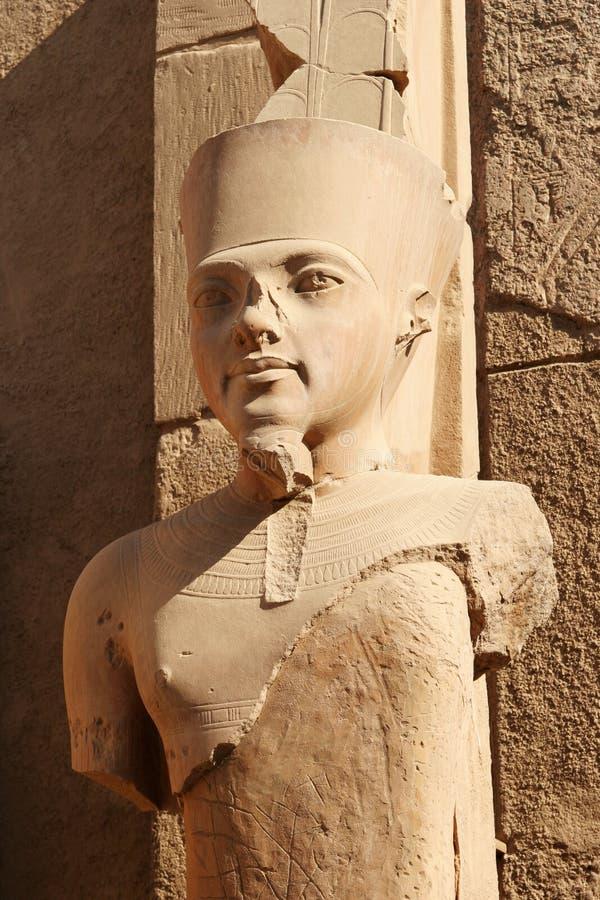 Pharaohhuvud, Karnak tempel - Egypten royaltyfri bild