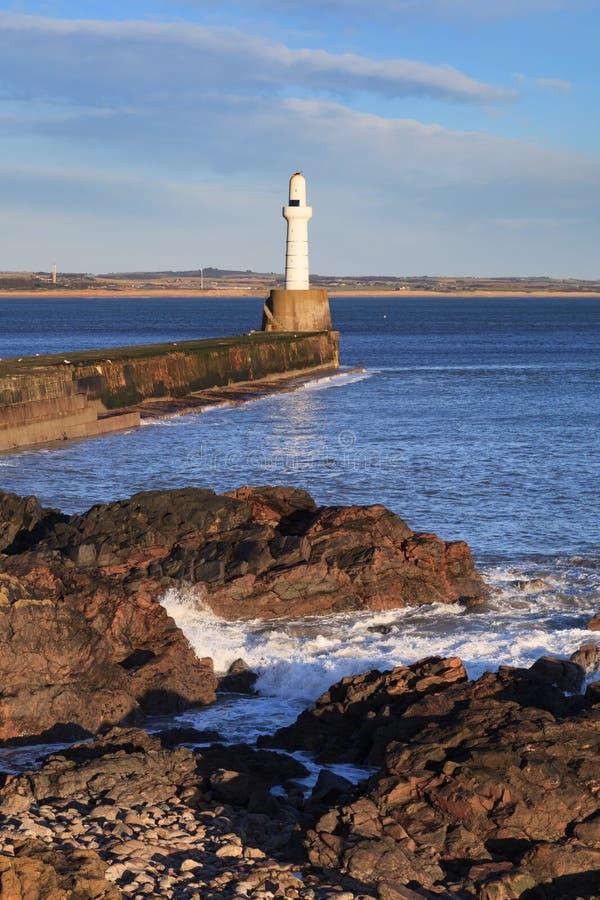 Download Phare à Aberdeen, Ecosse image stock. Image du crépuscule - 76085071