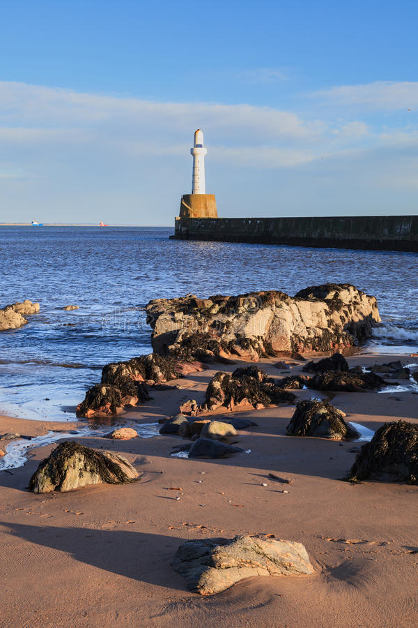 Download Phare à Aberdeen, Ecosse image stock. Image du nature - 76085475