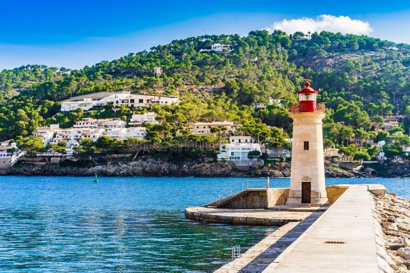 Phare au port De Andratx sur l'île de Majorca, Espagne photo libre de droits