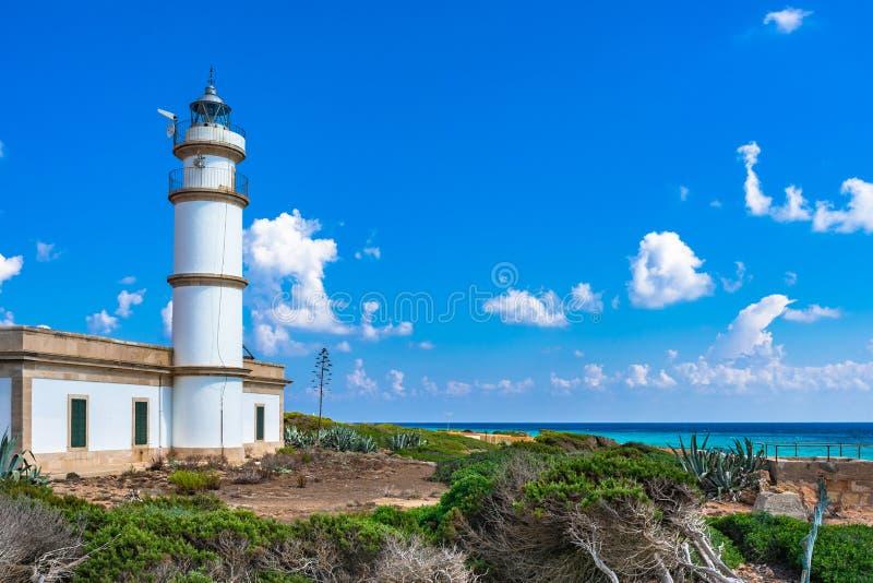 Phare d'île de l'Espagne Majorca chez Cap de Ses Salines photographie stock