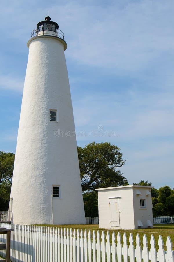 Phare d'Ocracoke avec le ciel bleu photo libre de droits
