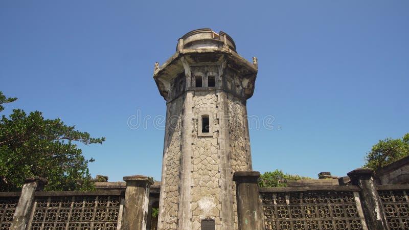 Phare dans l'engano de cap Philippines, île de Palaos photos stock