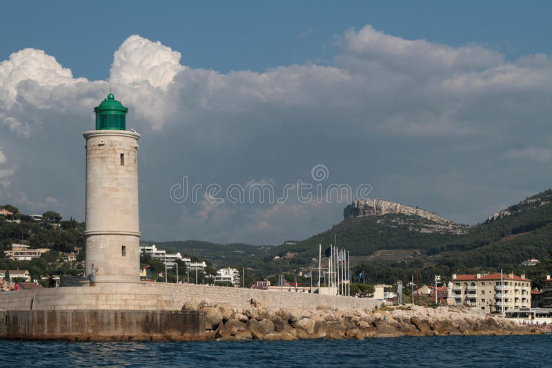Phare dans le cassis image stock