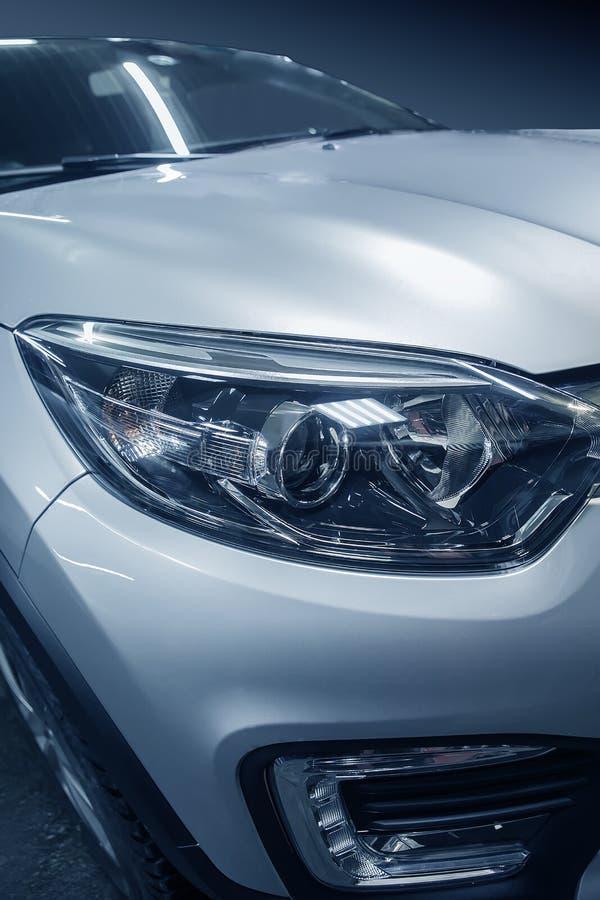 phare de plan rapproché prestigieux de voiture images libres de droits