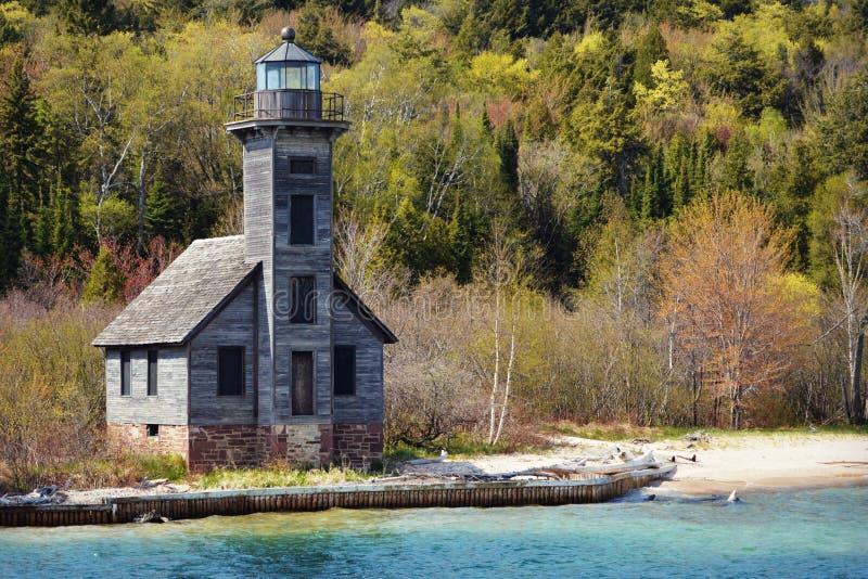 Phare est de la Manche d'île grande, roches décrites photo libre de droits