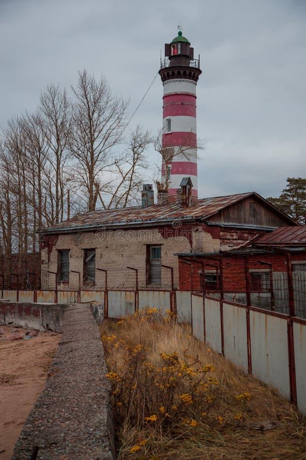 Phare légendaire de Shepelyov en Russie le soir photos libres de droits