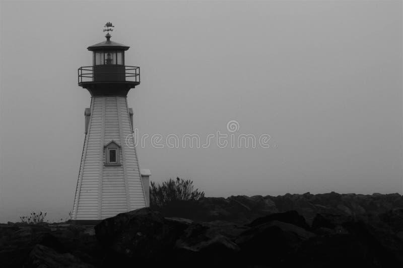 Phare noir et blanc photographie stock