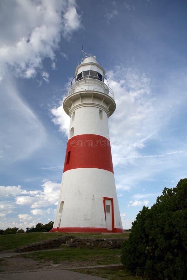 Phare rayé peu rouge et blanc, Tasmanie photographie stock libre de droits