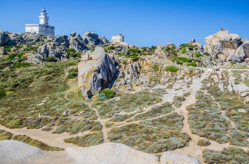 Phare sur le Testa de capo Au nord de la Sardaigne images libres de droits