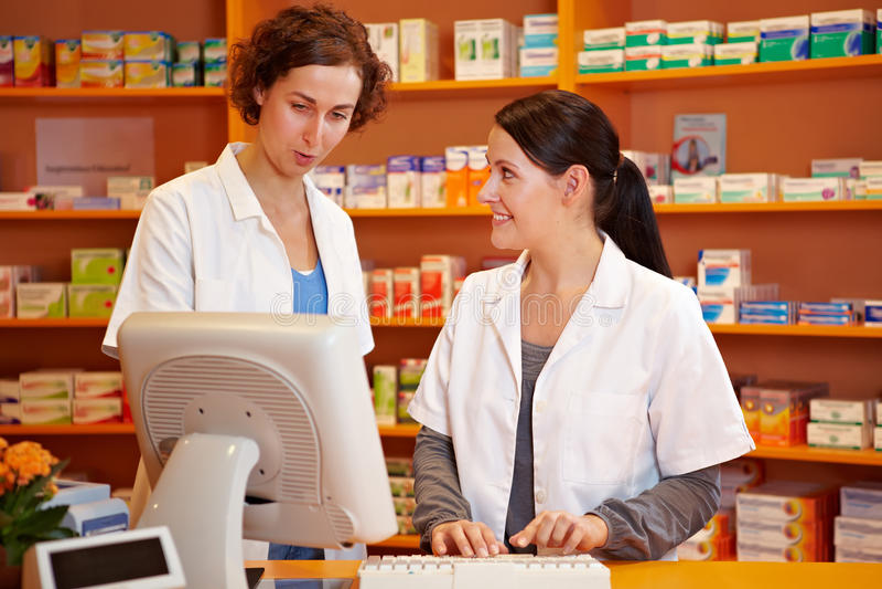 pharmacistapotekutbildning royaltyfria bilder
