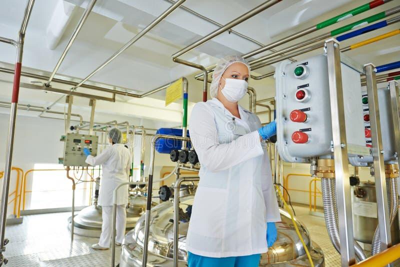 Pharmaindustriearbeitskraft lizenzfreie stockfotos