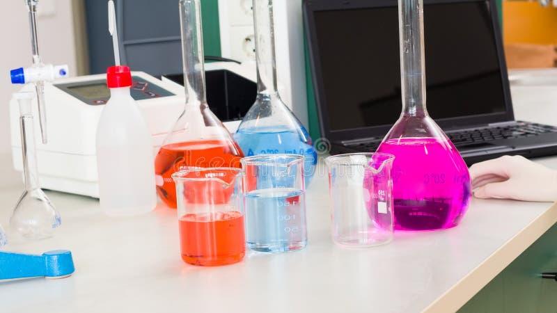Pharmazeutische Forschung stockbilder