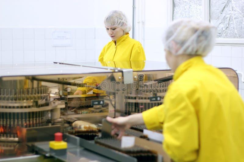Pharmazeutische Herstellung lizenzfreie stockbilder