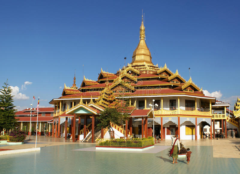 Phaung Daw U Pagode,缅甸 免版税库存图片
