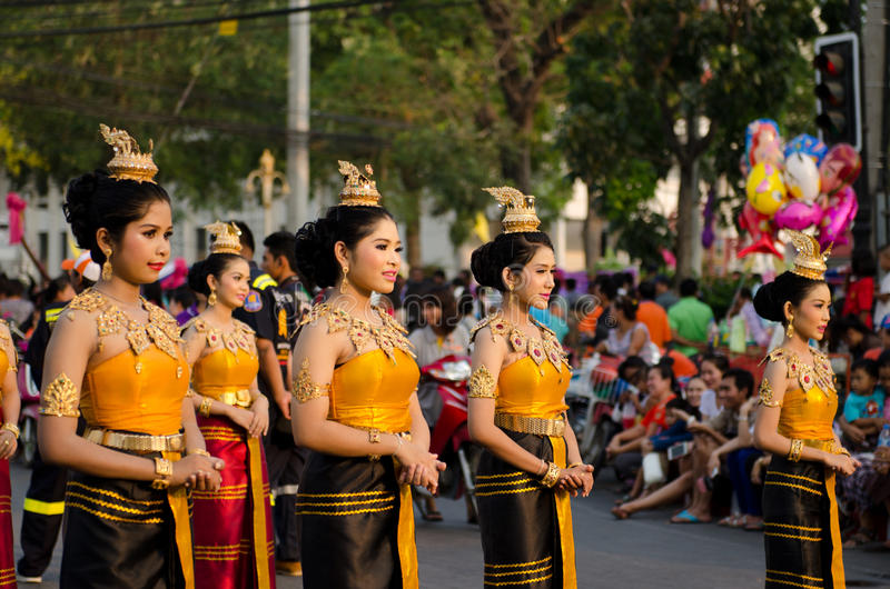 Download Phranakhonkhiri在街道的节日游行2013年 编辑类库存照片 - 图片 包括有 泰国, 招待: 30331643