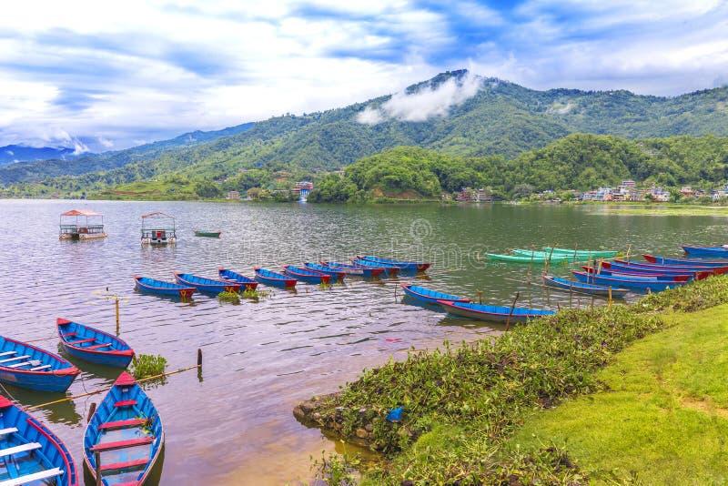 Phhewa湖博克拉尼泊尔令人惊讶的看法  库存照片
