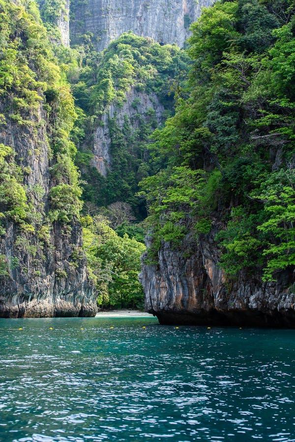 Phi κόλπων της Maya Phi νησί Leh, Krabi Ταϊλάνδη στοκ φωτογραφία με δικαίωμα ελεύθερης χρήσης
