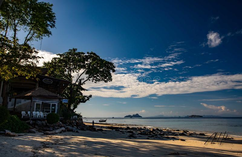 Phi Phi Don ö - tropiskt paradis royaltyfri foto