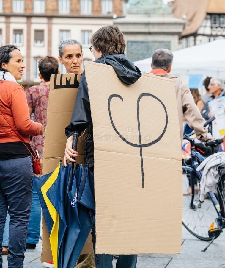 Phi polityczny logotyp Luc Melenchon przy protestem przeciw zdjęcia stock