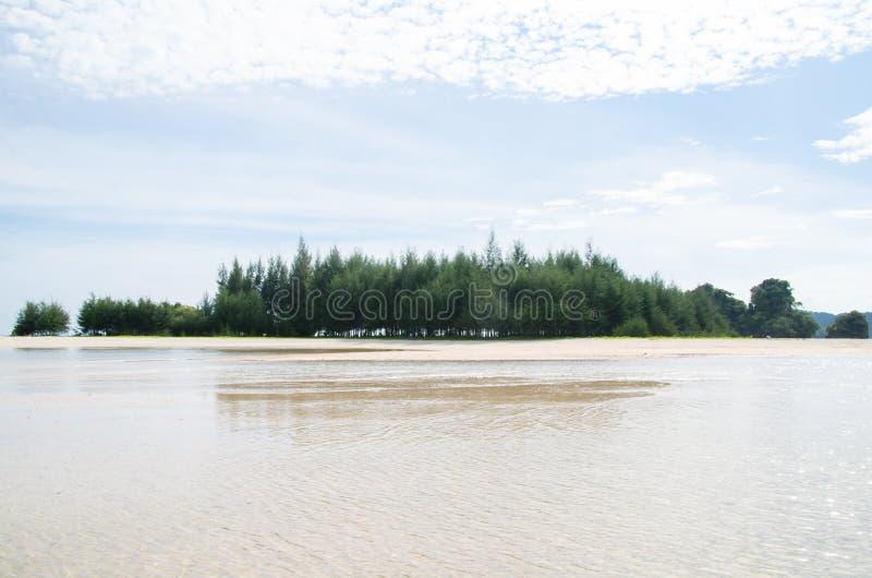 Phi Phi wyspy, Krabi lokalizują 40 km od poręcza jako część Phi Phi wysp parka narodowego noppharat Thara muczenia Koh Phi P zdjęcie stock