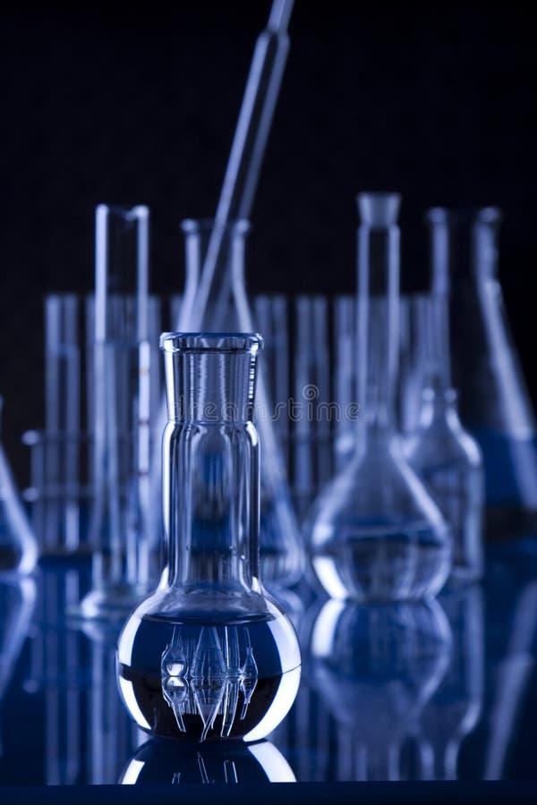 Phial della cristalleria del Scuro-Laboratorio fotografia stock libera da diritti
