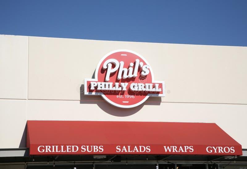 Phil-` s Philly Grill-Zeichen lizenzfreies stockfoto