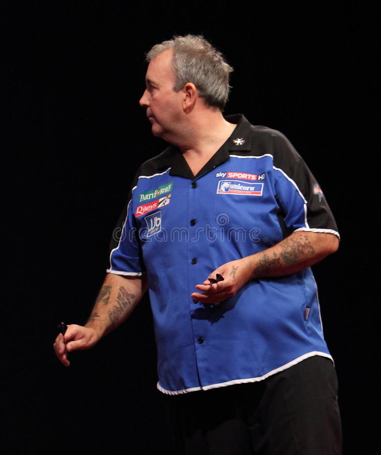 Download Phil Taylor Throws The Last Dart. Editorial Photo - Image: 20578126