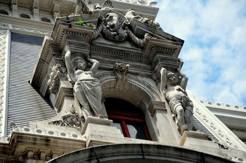 Philadelphia, PA: De Stad Hall Window Dormer van Beauxkunsten royalty-vrije stock afbeelding