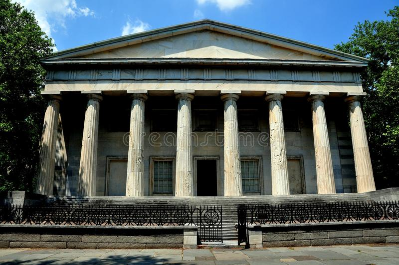 Philadelphia, PA: Second Bank of the United States. PHILADELPHIA, PENNSYLVANIA: Neo-classical facade of the Second Bank of the United States in Independence stock images