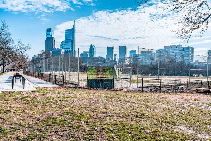 Philadelphia, Pennsylvania, de V.S. - December, 2018 - horizon de van de binnenstad van Philadelphia stock foto