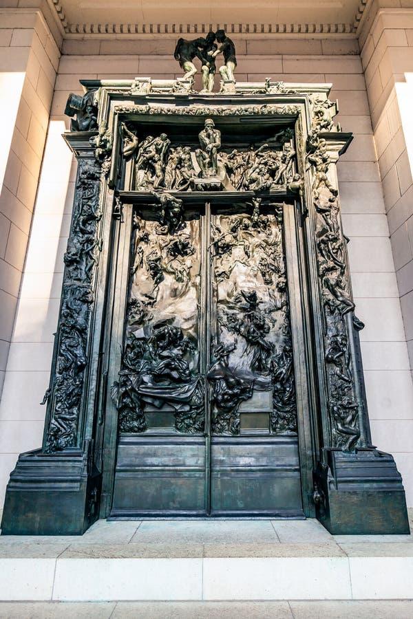 Philadelphia, Pennsylvania, de V.S. - December, 2018 - de Poorten van Hel in Rodin Museum in Philadelphia stock fotografie