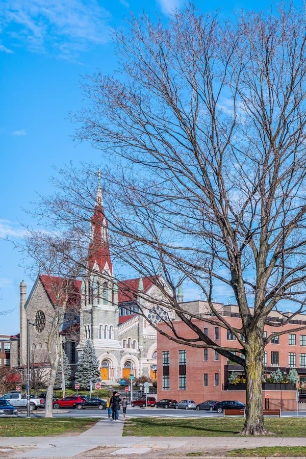 Philadelphia, Pennsylvania, de V.S. - December, 2018 - St Francis Xavier Catholic Church, de Retorica Fairmount stock fotografie