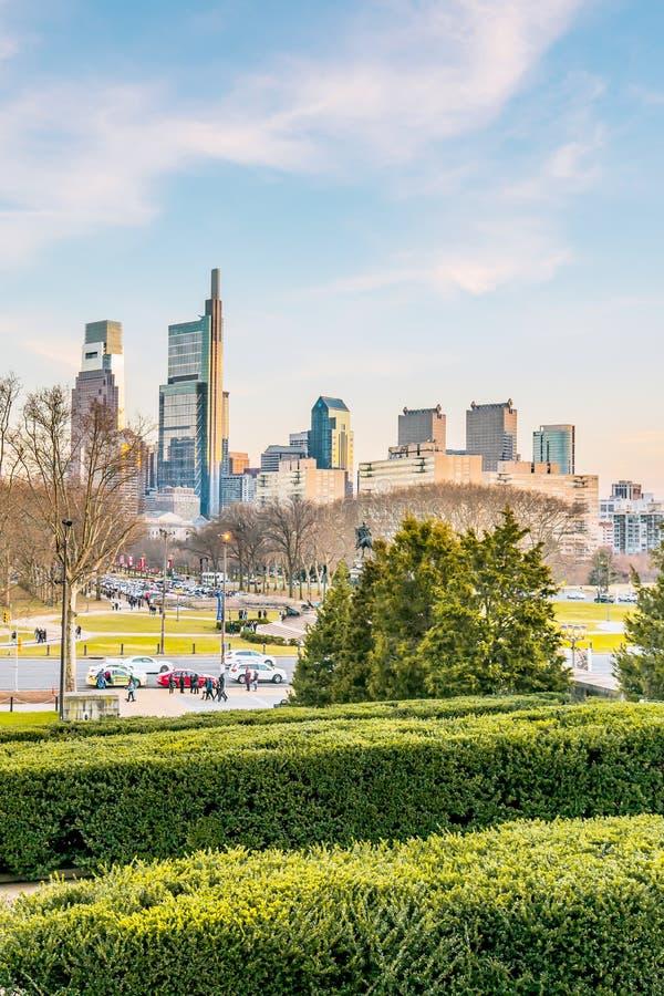 Philadelphia, Pennsylvania, los E.E.U.U. - diciembre de 2018 - horizonte de Philadelphia céntrica imagen de archivo libre de regalías