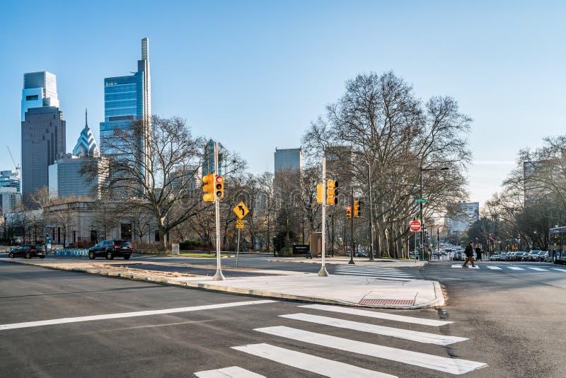 Philadelphia, Pennsylvania, los E.E.U.U. - diciembre de 2018 - horizonte, Hamilton Street, en el centro de la ciudad foto de archivo