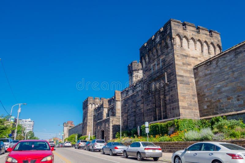 PHILADELPHIA USA - NOVEMBER 22, 2016: Yttre väggar av den historiska östliga statliga straffanstalten i Philadelphia royaltyfri fotografi