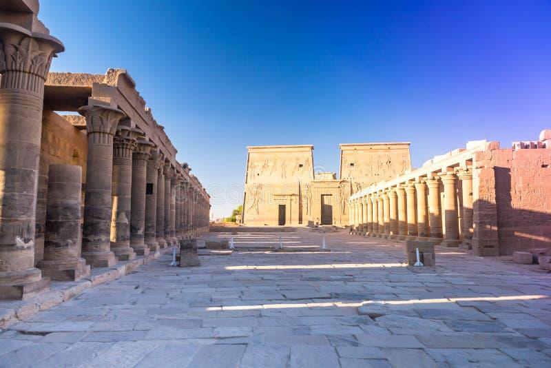Philae tempel i aswan på Nilen i Egypten arkivbilder