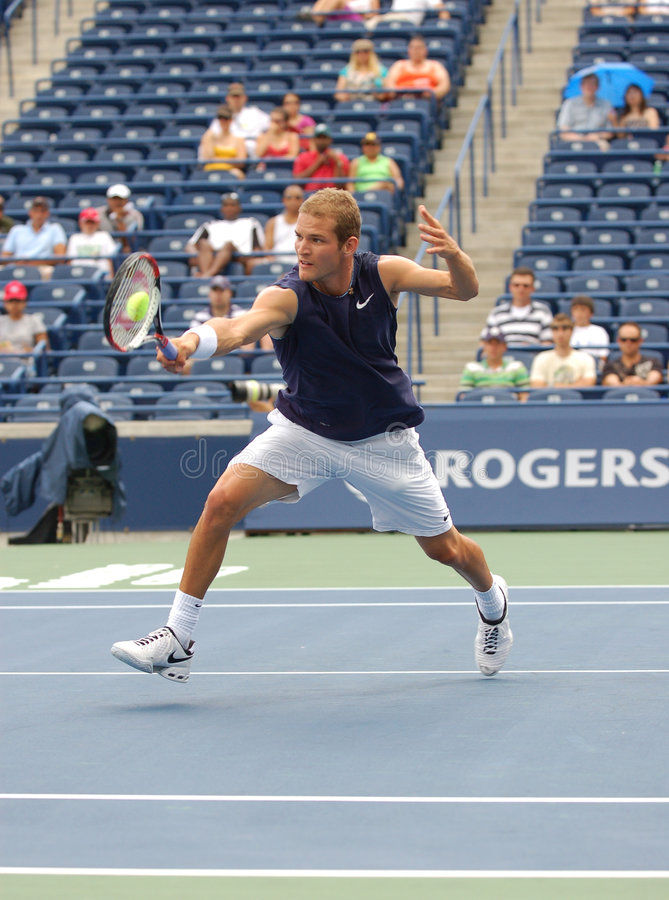 Download Philip Bester Rogers Cup 2008 At The Net Editorial Image - Image: 5809200