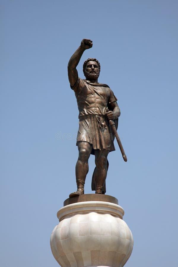 Philip II Macedon skulptur i Skopje royaltyfria bilder