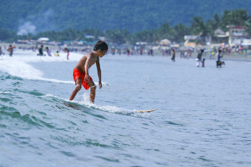 PHILIPPINES-SURFING-SUMMER lizenzfreie stockbilder