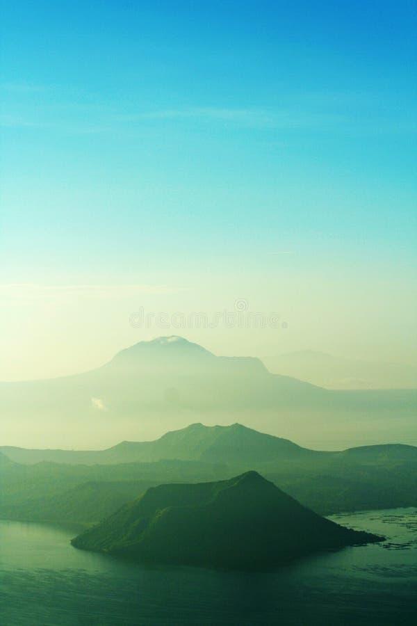 philippines taal vulkan fotografering för bildbyråer