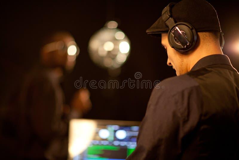 Philippino DJ que balanç o clube imagem de stock royalty free