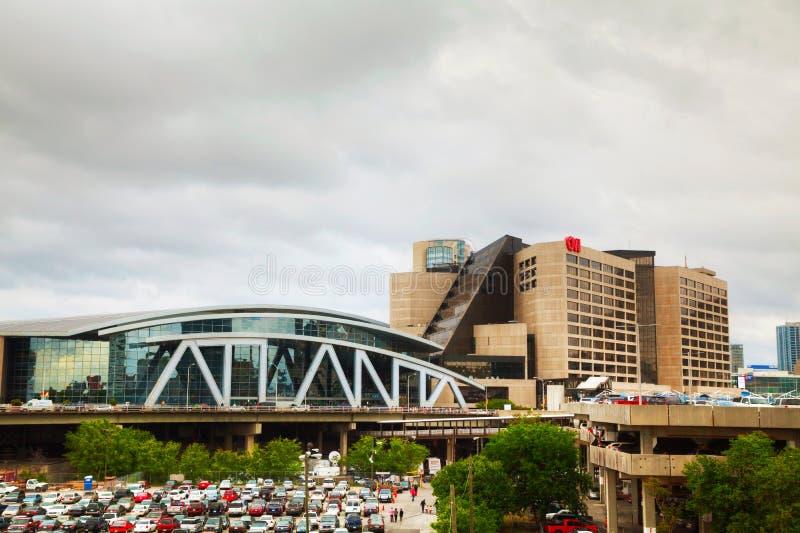 Philips Arena y centro de CNN en Atlanta fotos de archivo