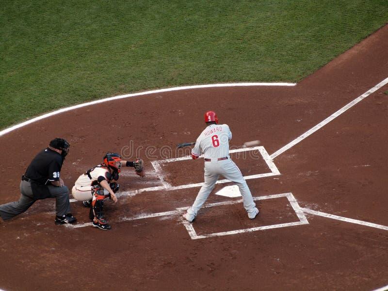 Phillies Ryan Howard balance au lancement entrant images libres de droits