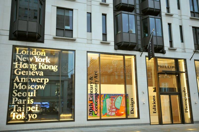 Phillips de Pury, είναι ένας βρετανικός οίκος δημοπρασιών και έχει κεντρικά γραφεία στο Λονδίνο και στη Νέα Υόρκη στοκ εικόνες