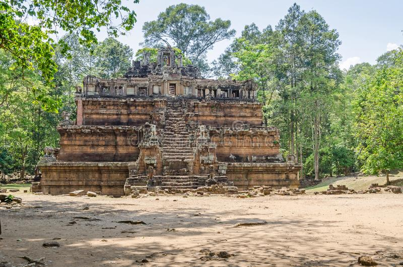 Phimeanakas en hinduisk tempel inom den walled bilagan av Royal Palace av Angkor Thom arkivbilder