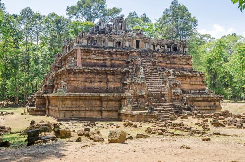 Phimeanakas en hinduisk tempel inom den walled bilagan av Royal Palace av Angkor Thom royaltyfria bilder